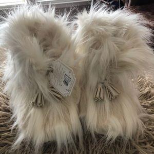 Shoes - Ankle faux fur booties